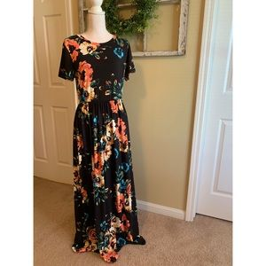 Black and Floral Short Sleeve Maxi Dress
